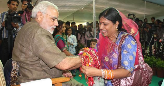 Raksha Bandhan SMS, Greetings, Quotes and Images in great demand
