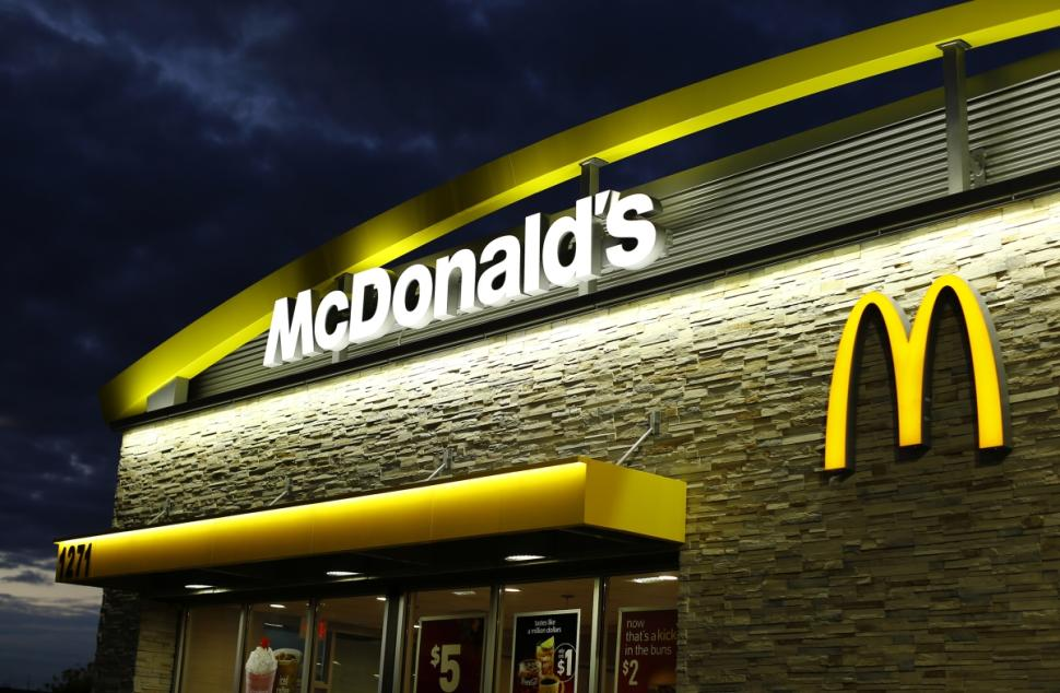 McDonalds new CEO announces the implementation of a non antibiotic chicken in its menus