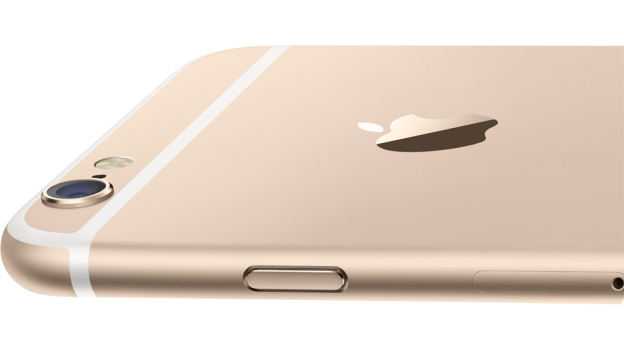 Apple recalls small batch of iPhone 6 Plus due to camera problem