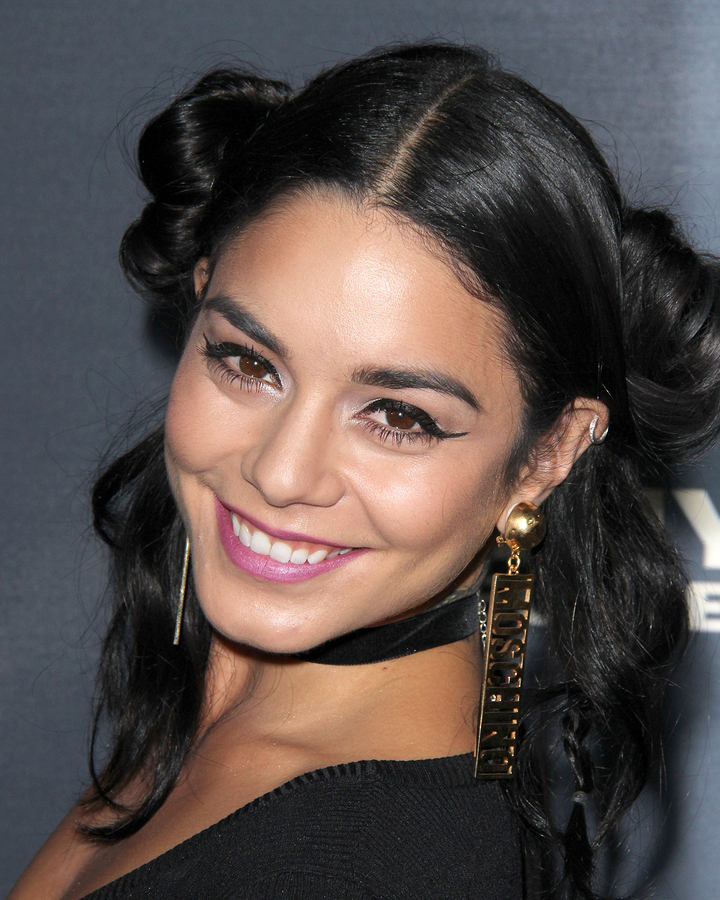 Vanessa Hudgens continues to grieve father's passing with heartfelt message
