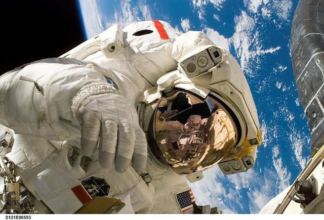 Astronauts' spines shrink 19 percent in space new study