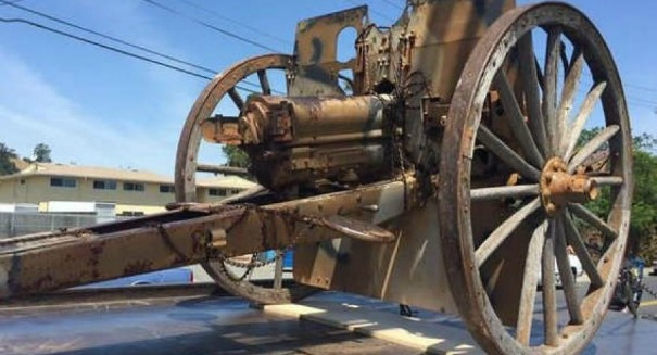 Thieves steal massive WWI-era cannon, flee in a pickup truck