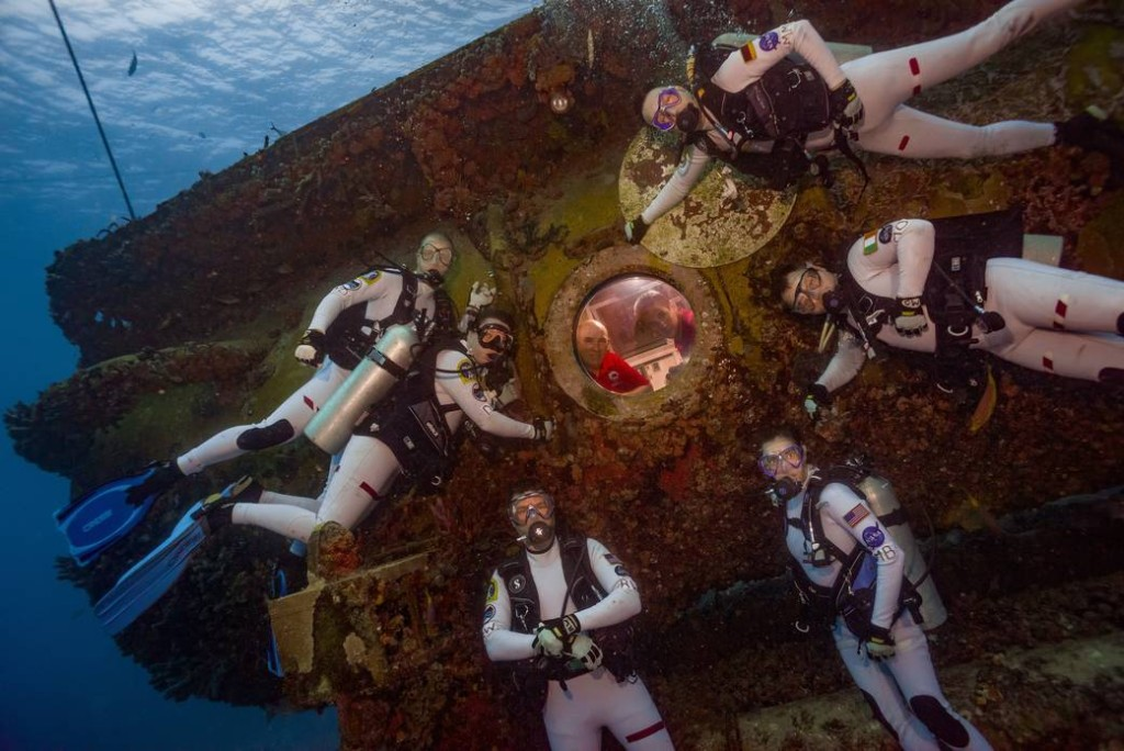 NASA trains astronauts underwater for Martian mission