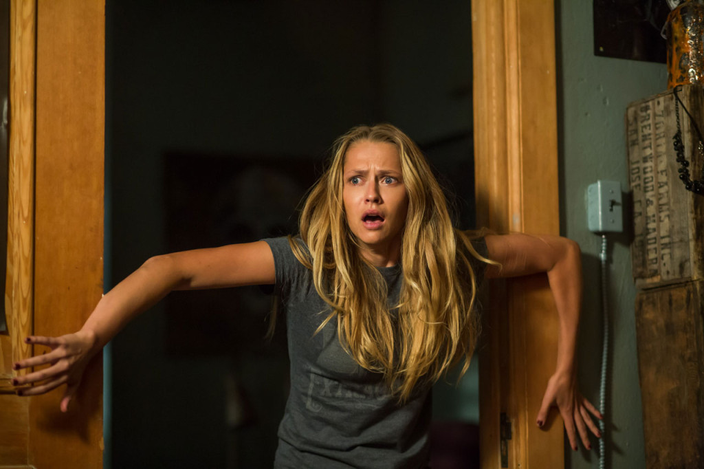 <em>Lights Out</em> is the no-filler thrill ride of the summer