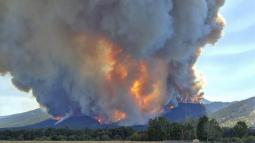 Montana wildfire leads to 500 evacuations, burning uncontained