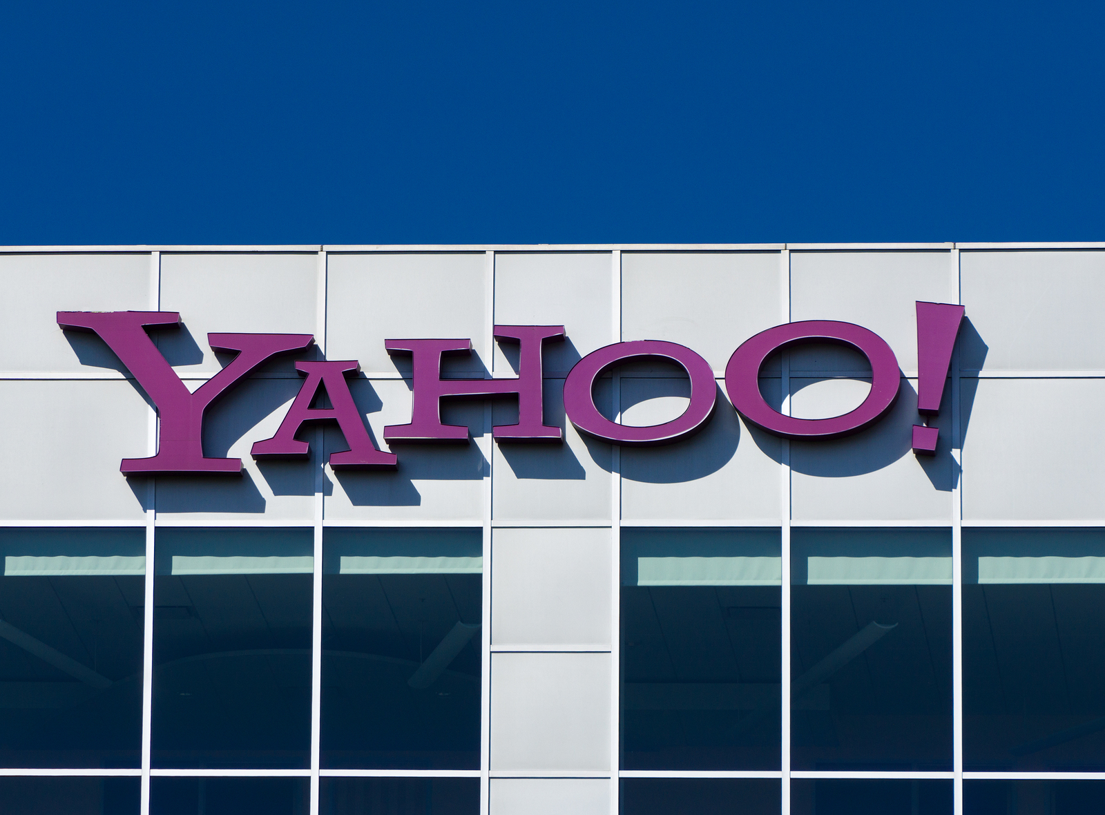 Yahoo suffers historic data breach