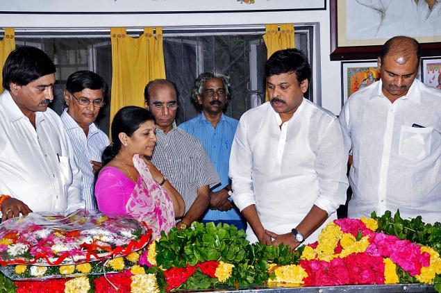 Photos: Telugu director Bapu Funeral with State Honors
