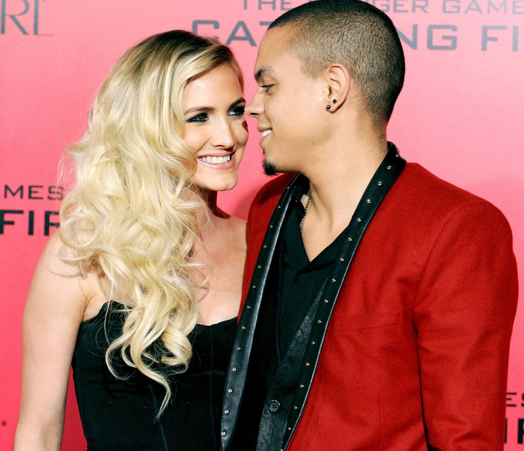 Ashlee Simpson pregnant with Evan Ross's child