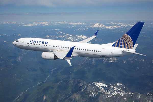 United Airlines sue a 22-year old guy for providing info for lower flight deals