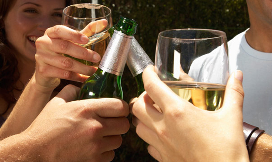 Regular consumption of Alcohol increases risk of Cancer in Women, finds new study