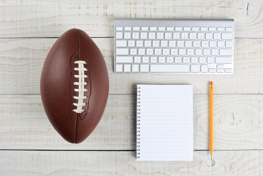 Hackers threaten daily fantasy sports sites